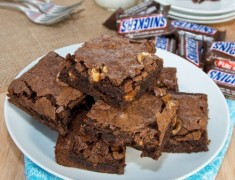 Chewy-Snickers-Brownies3-500x499